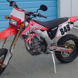 Dual Sport Kit, EZ Mount Kick LED Red ('04-ON)
